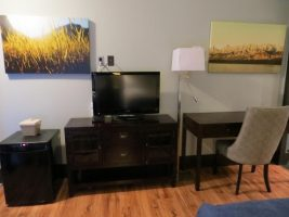 centro-motel-room-queen-1
