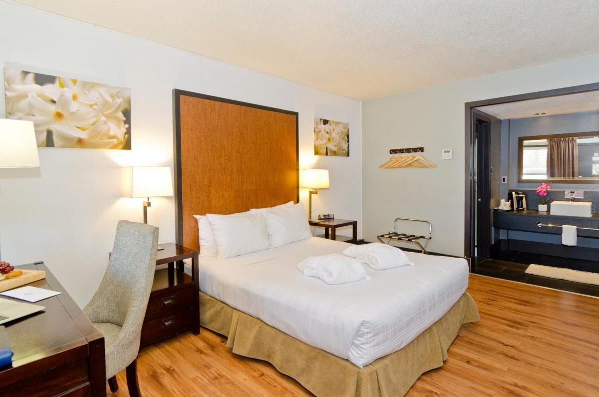 centro-motel-room-queen-8