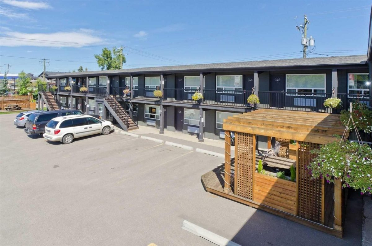 centro-motel-property-2