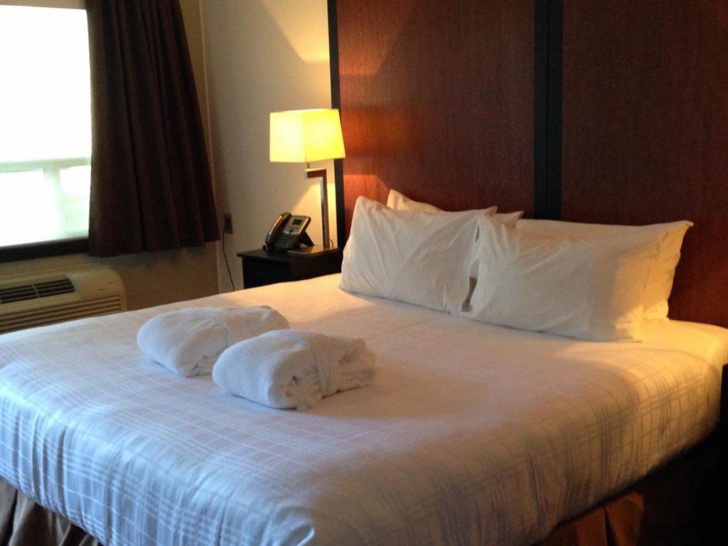 centro-motel-room-king-2